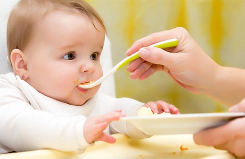 توجه به تغذیه کودک