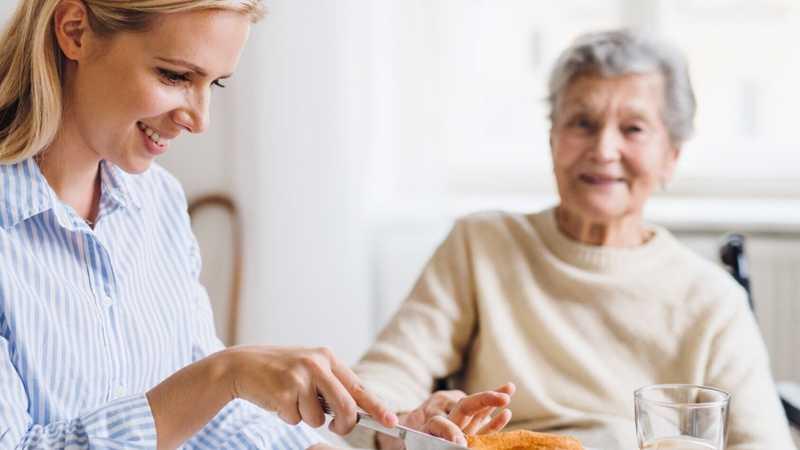 پرستار سالمند در پاسداران