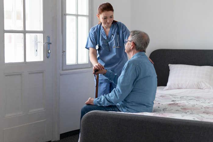استخدام پرستار سالمند در ستارخان