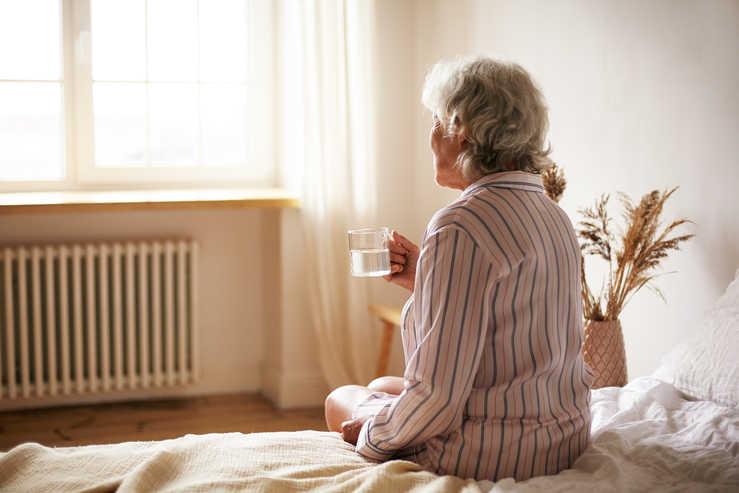 هزینه پرستار سالمند در پیروزی