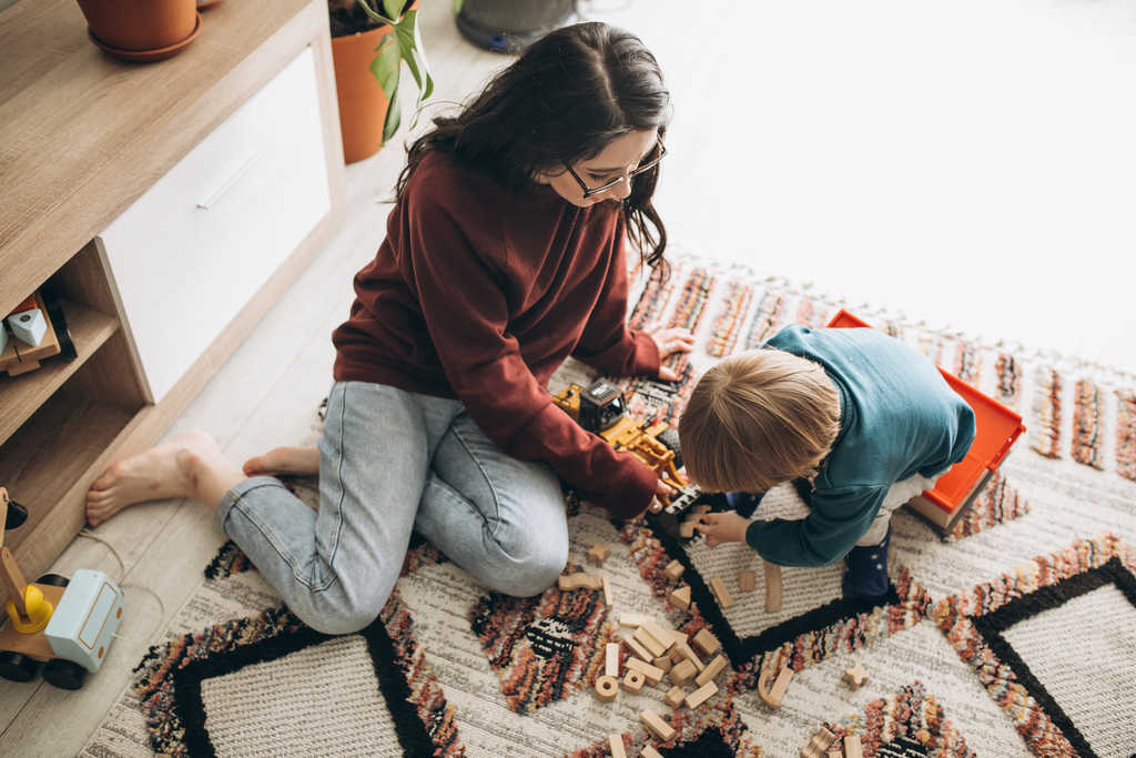 استخدام پرستار کودک در کرج