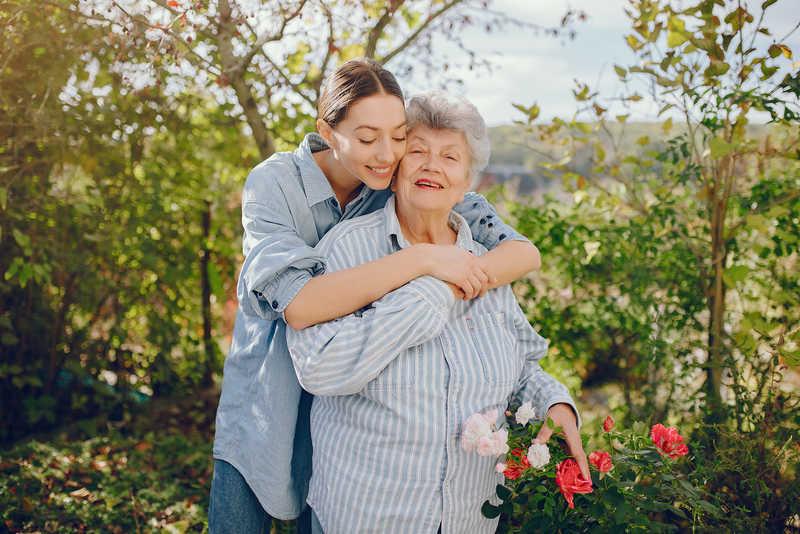 مراقب سالمند در فاطمی