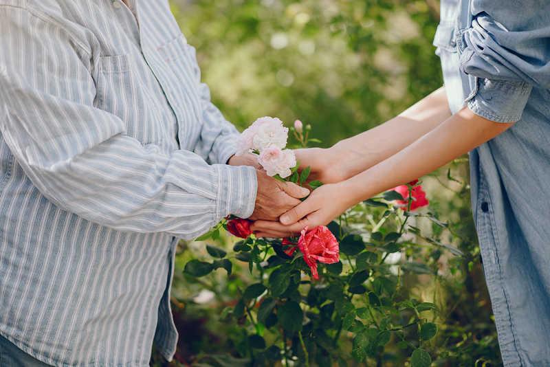 مهارت های برقراری ارتباط با سالمندان