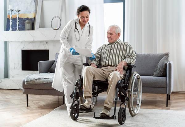 هزینه پرستار سالمند در زعفرانیه