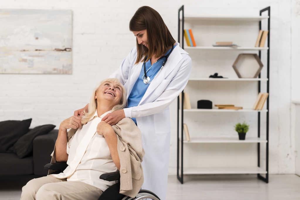 قیمت پرستار سالمند در سعادت آباد