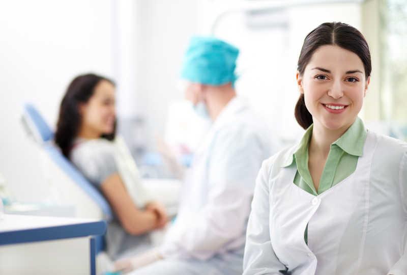 پرستار بیمار در ولنجک تهران