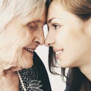 مهارت های مراقب سالمند ( تجربه پرستار سالمندان )