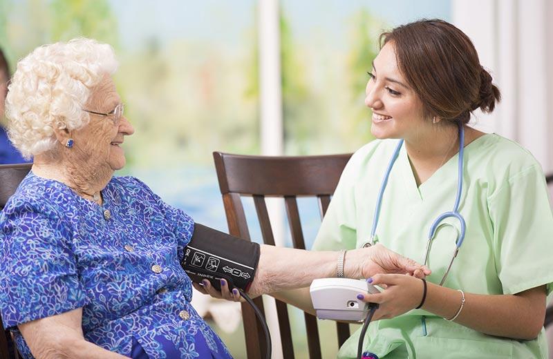پرستار سالمند در چیذر