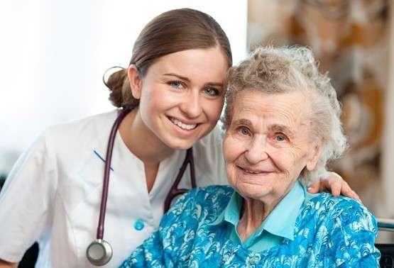 پرستار سالمند شبانه روزی در کرج