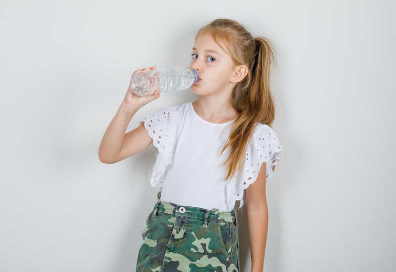 تامین آب بدن کودک برای درمان اسهال