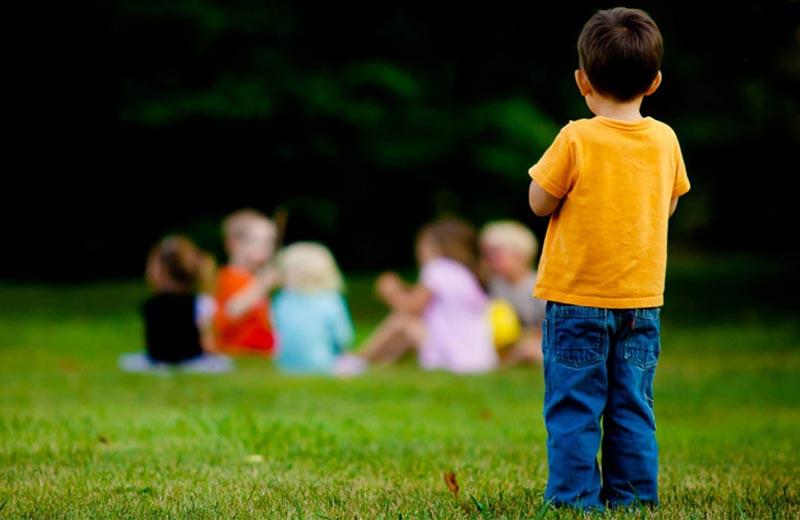 علائم نبود عزت نفس در کودک