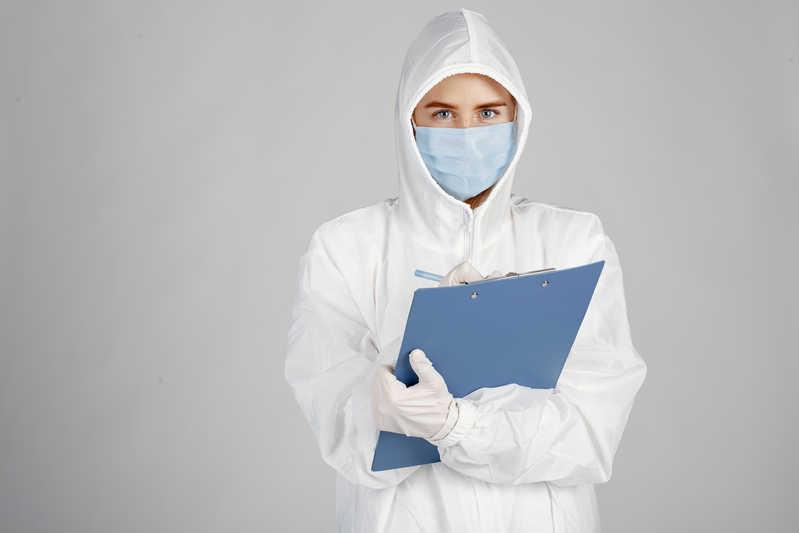 استخدام پرستار بیمار مبتلا به کرونا