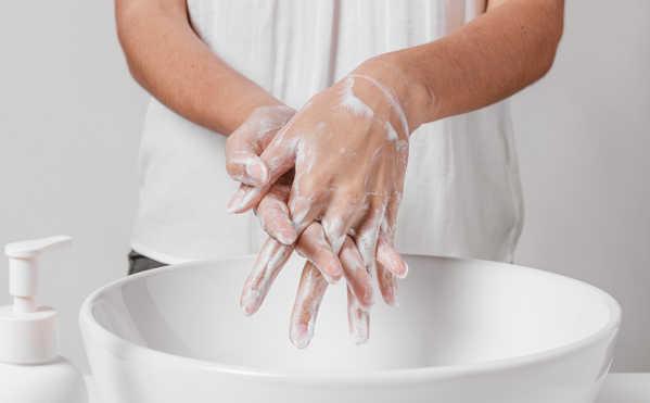 ضرورت شستوشوی دست پرستار