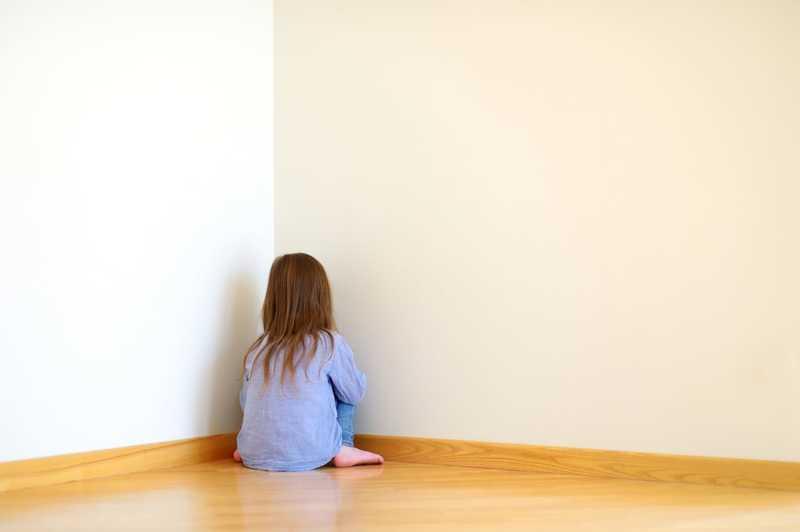 علائم و نشانه های اوتیسم در کودکان
