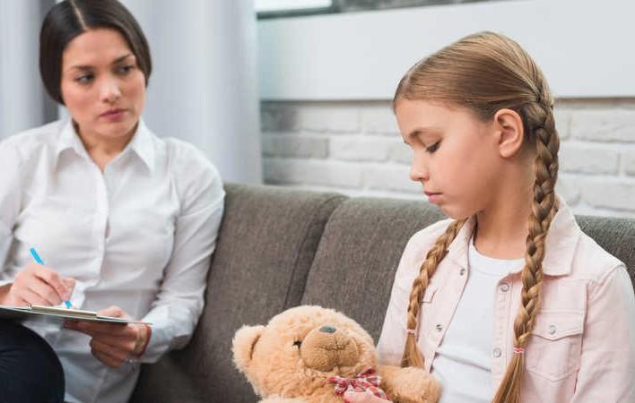 مشکل عدم تعامل با دیگران در کودکان اوتیسمی