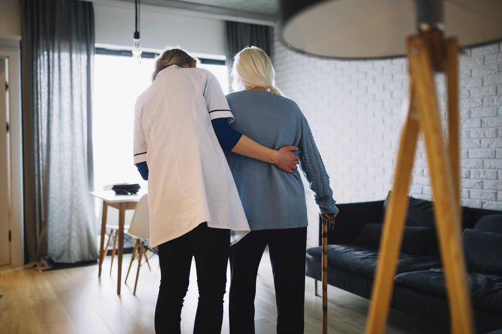 هزینه پرستار بیمار در منزل