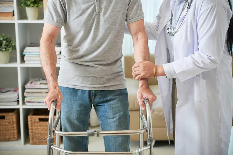 ارائه خدمات فیزیوتراپی سالمندان