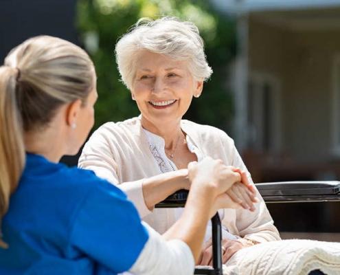 استخدام پرستار سالمند در آزادی