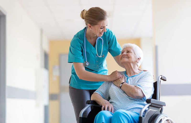 پرستار سالمند در میرداماد