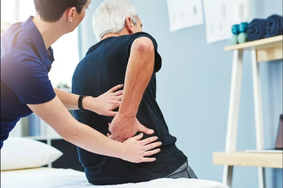 پرستاری از سالمندانی که دچار مشکلات نخاعی شده اند