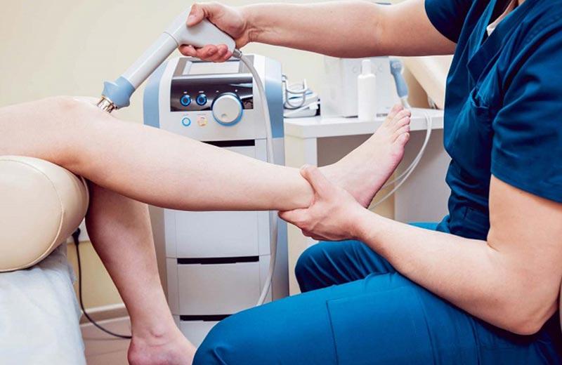 معاینه فیزیکی برای تشخیص بیماری آرتروز