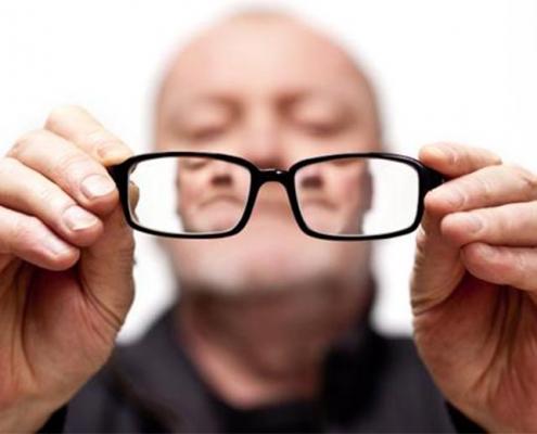 دلایل نابینایی در سالمندان