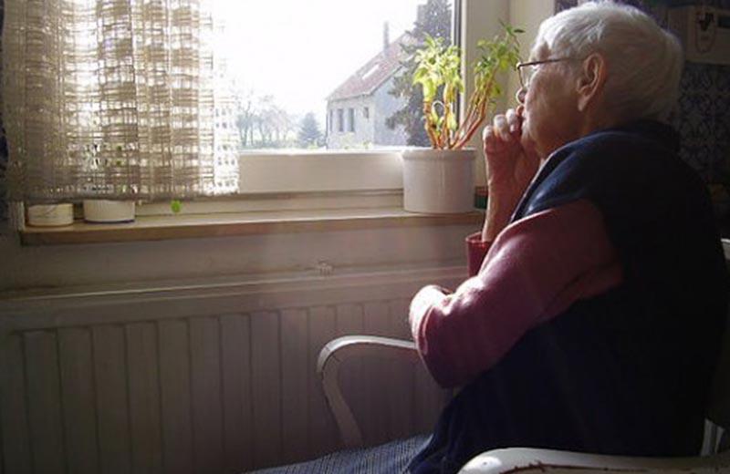 عوارض کم شنوایی در سالمندان